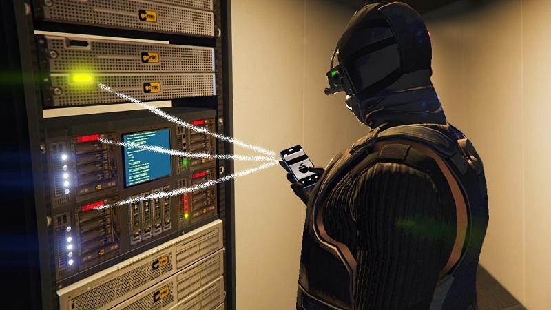 хакер у сервера